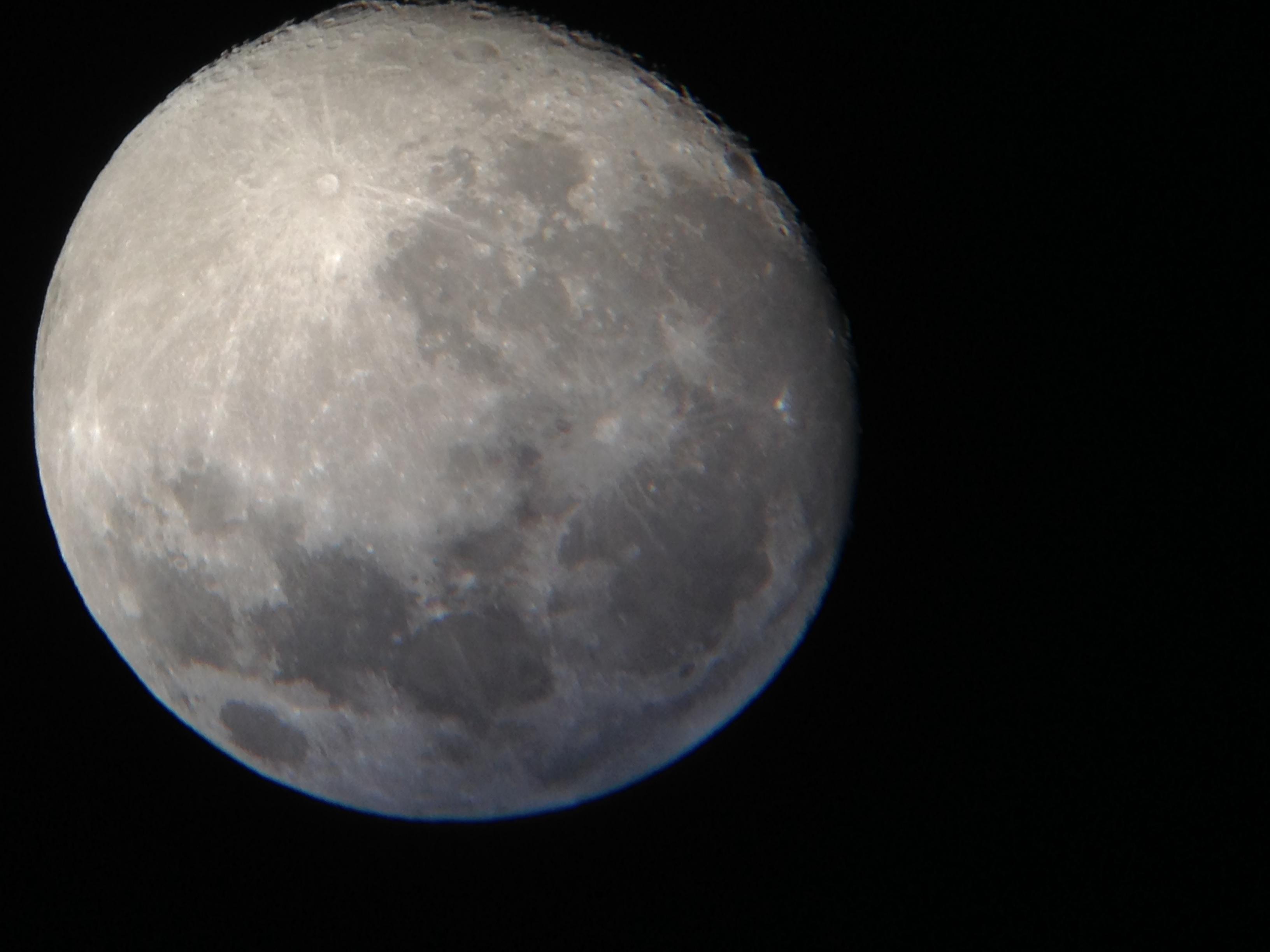 Lune photographiée avec iphone 5C
